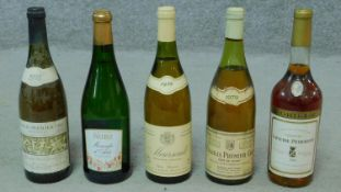 Five miscellaneous bottles of white wine to include a 1961 Chateau Lafaurie Peyraguet.