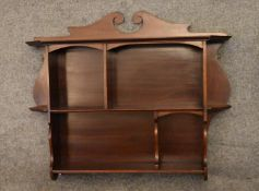 A set of Victorian mahogany open wall shelves H.73x73x15cm