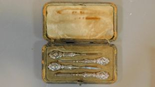 A cased English hallmarked silver manicure set, Birmingham 1906. 11.5x6.5cm (box)