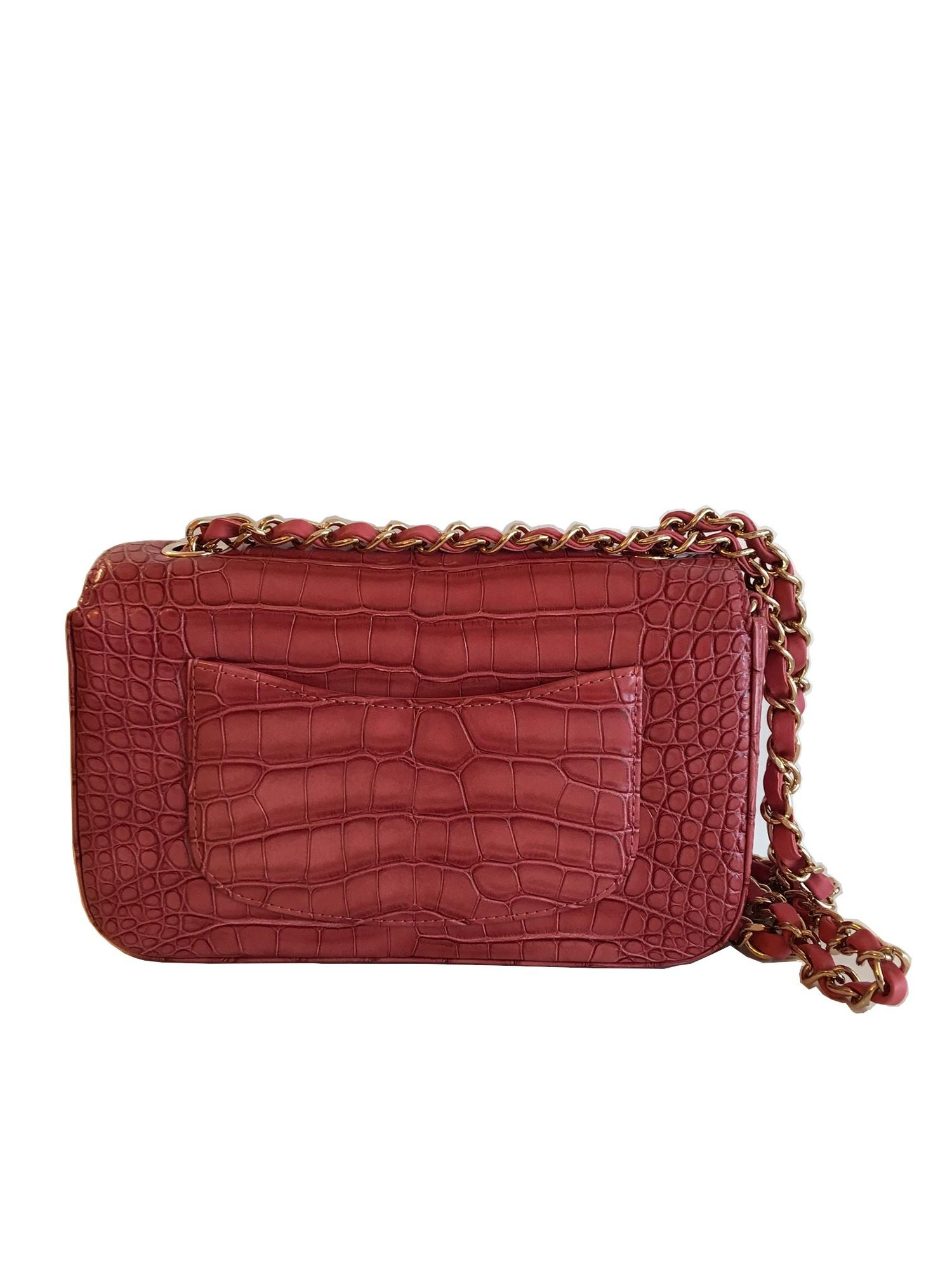 A Chanel Classic Flap in Dusky Pink Crocodile leather with Gold Hardware is instantly recognizable - Image 3 of 5
