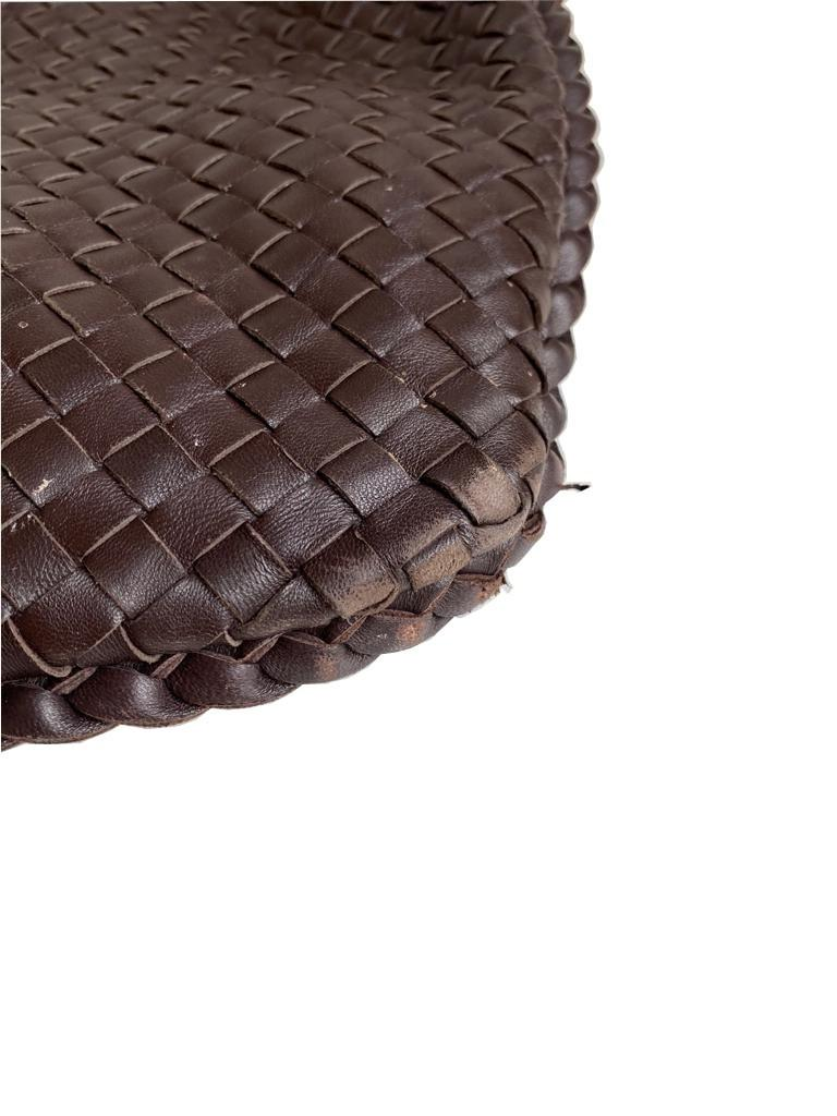 A Bottega Maxi Veneta Ebony Intrecciato Nappa is a fabulous large shoulder bag which takes its - Image 5 of 7
