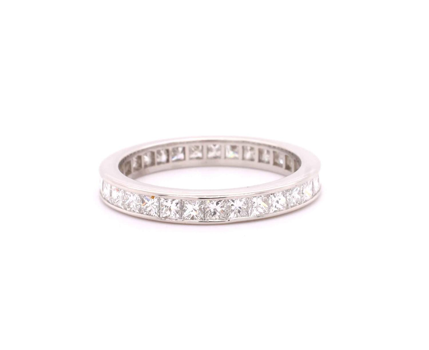 A Princess cut diamond eternity ring mounted in platinum by Tiffany & Co. Contemporary. Signed - Image 3 of 6