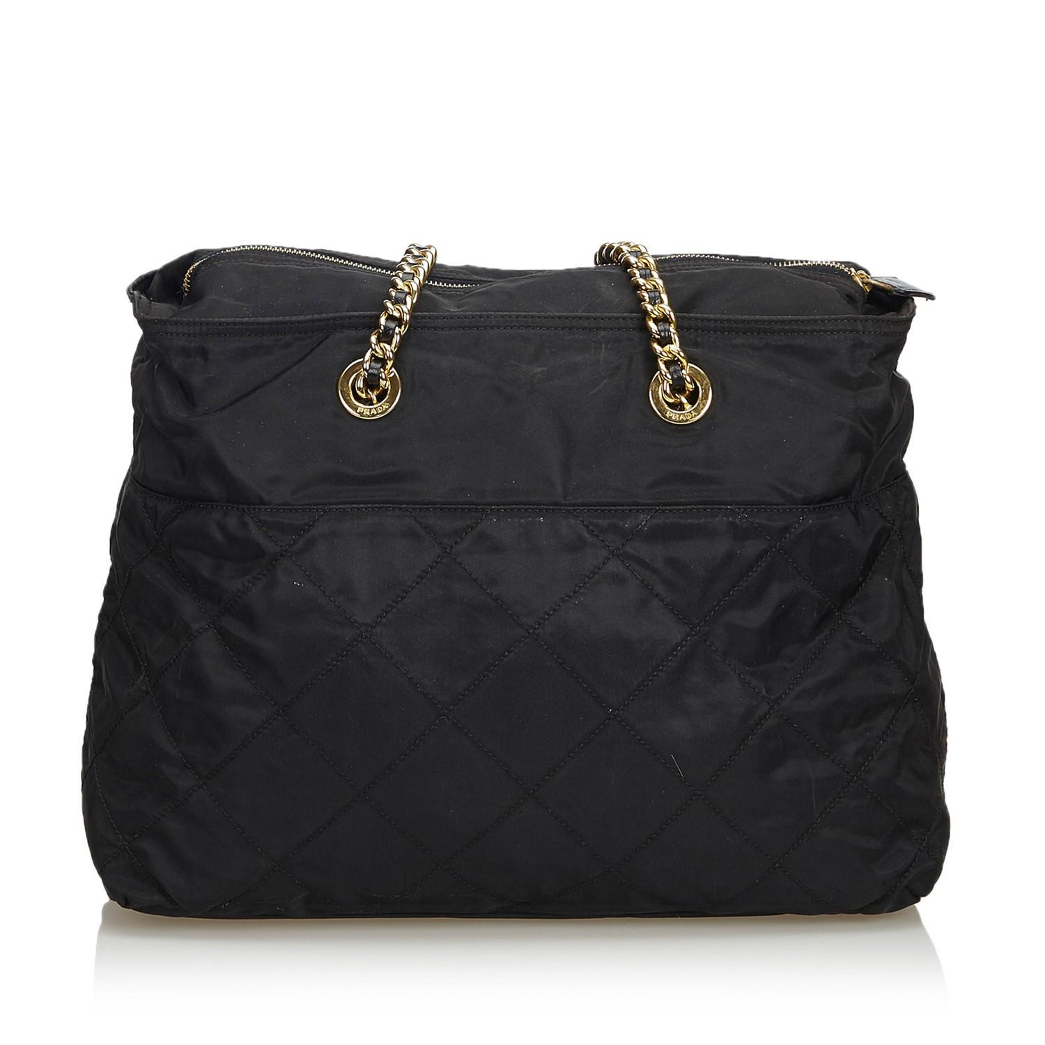A Prada Tessuto Black Gold, gives you a sporty chic style. In quilted nylon it features gold chain - Image 3 of 5