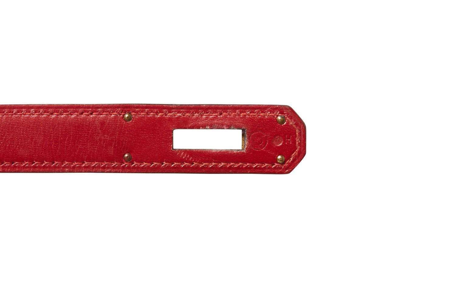 A red Hermes Kelly in tadelakt leather with gold hardware. W.32cm x H.23cm x D.10.5cm, stamped O ( - Image 5 of 7