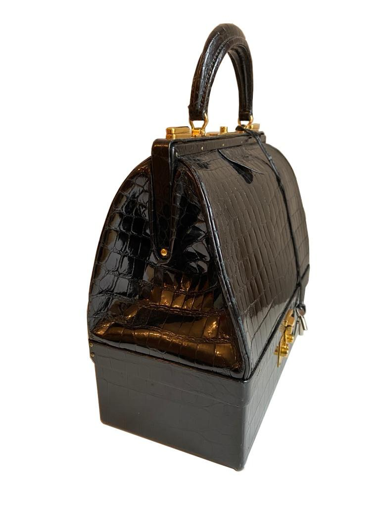 A Hermes Mallet bag in black shiny crocodile with gold hardware, includes Brown Dustbag, Keys & - Image 3 of 9