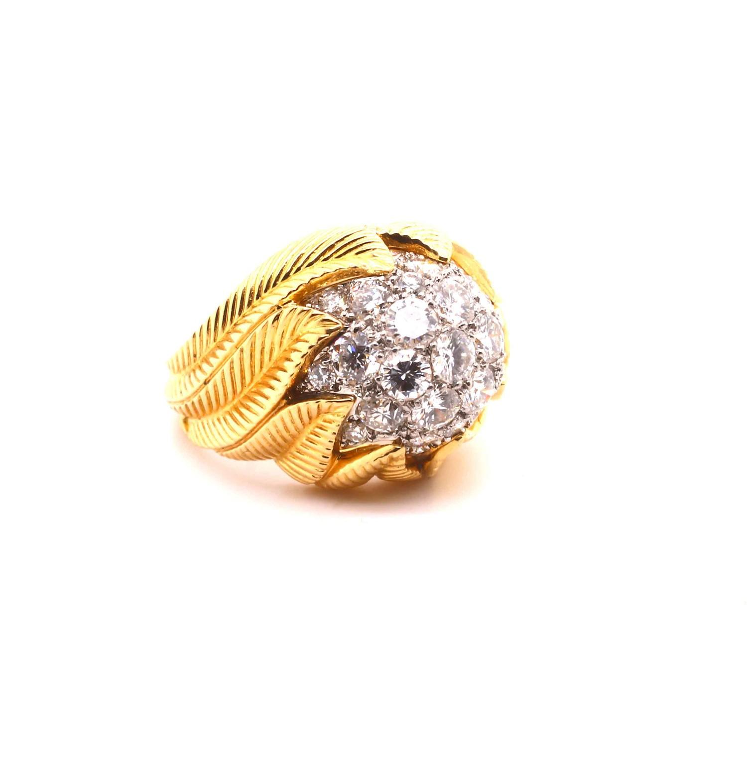 A Van Cleef & Aprel Cocktail Ring with a Pave set diamond flame ring mounted in an intricate - Image 3 of 7