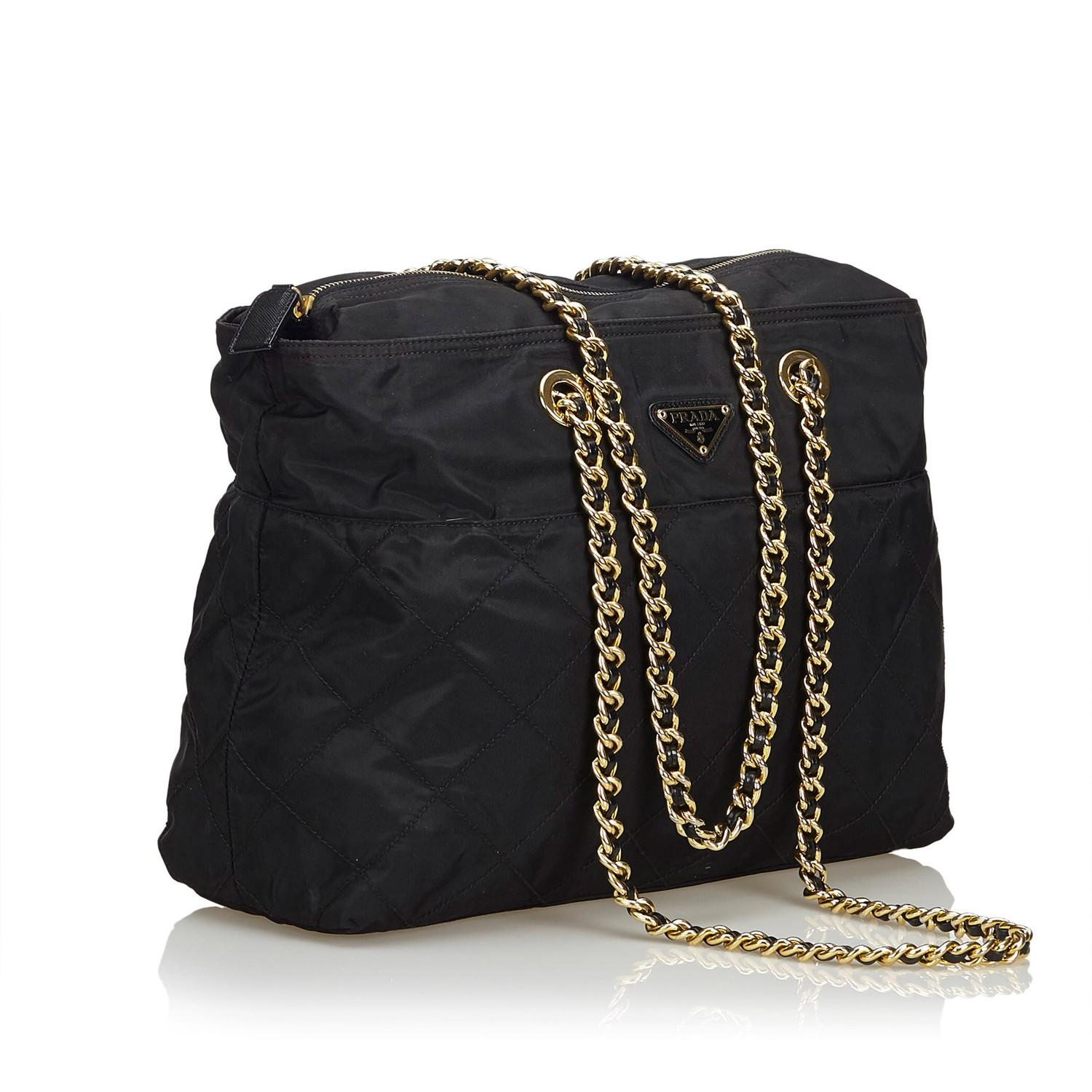 A Prada Tessuto Black Gold, gives you a sporty chic style. In quilted nylon it features gold chain - Image 2 of 5