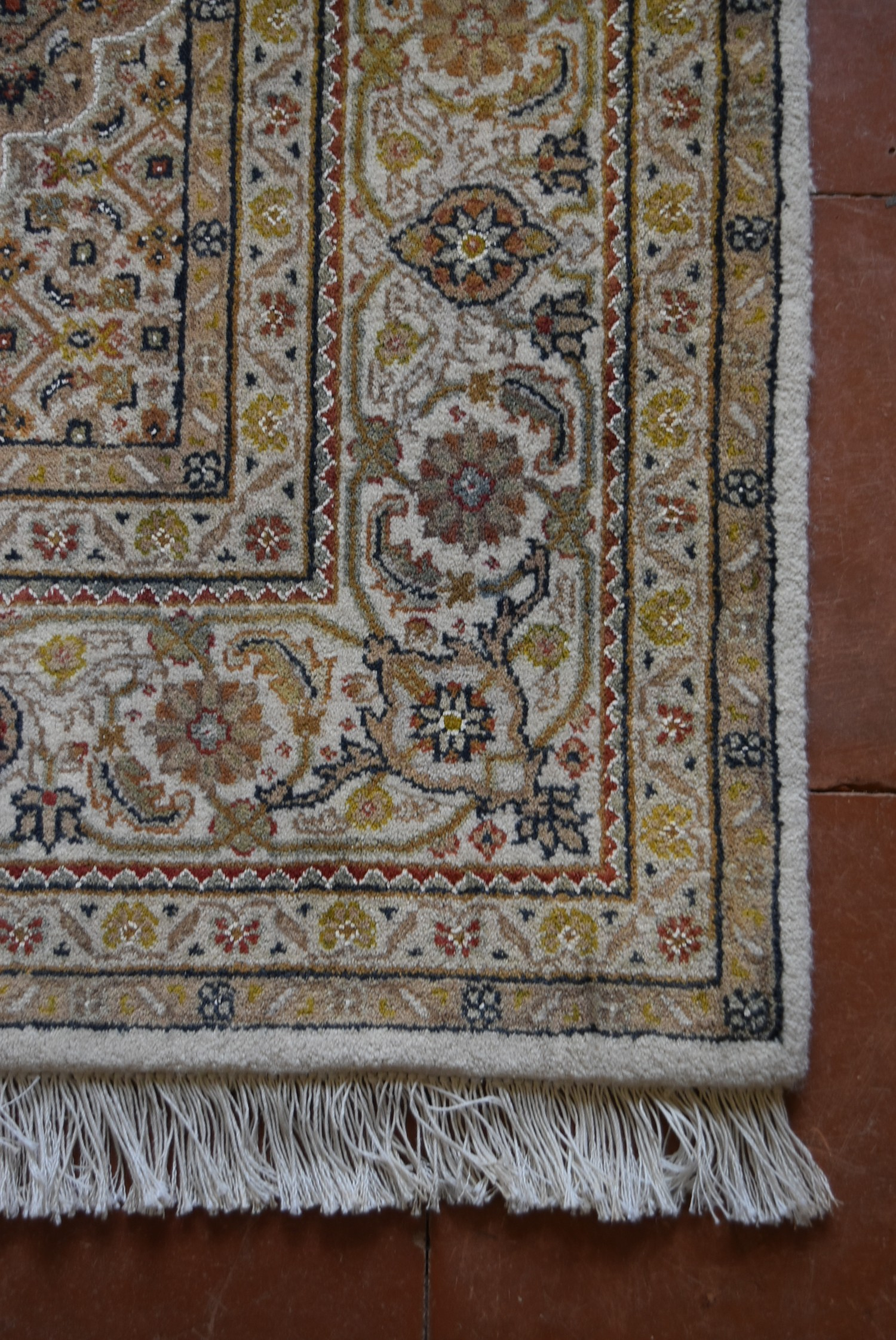 A silk & wool Tabriz style carpet with central medallion and repeating floral design across the fawn - Image 3 of 4