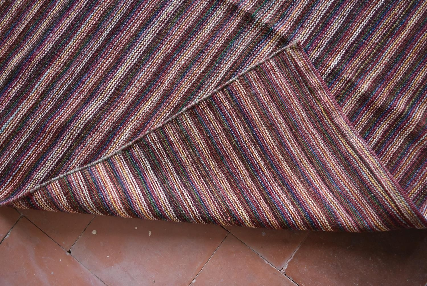 A large Modern Kilim with woven bands in hues of burgundy, cream and blue. L.332xW.247cm - Image 3 of 4