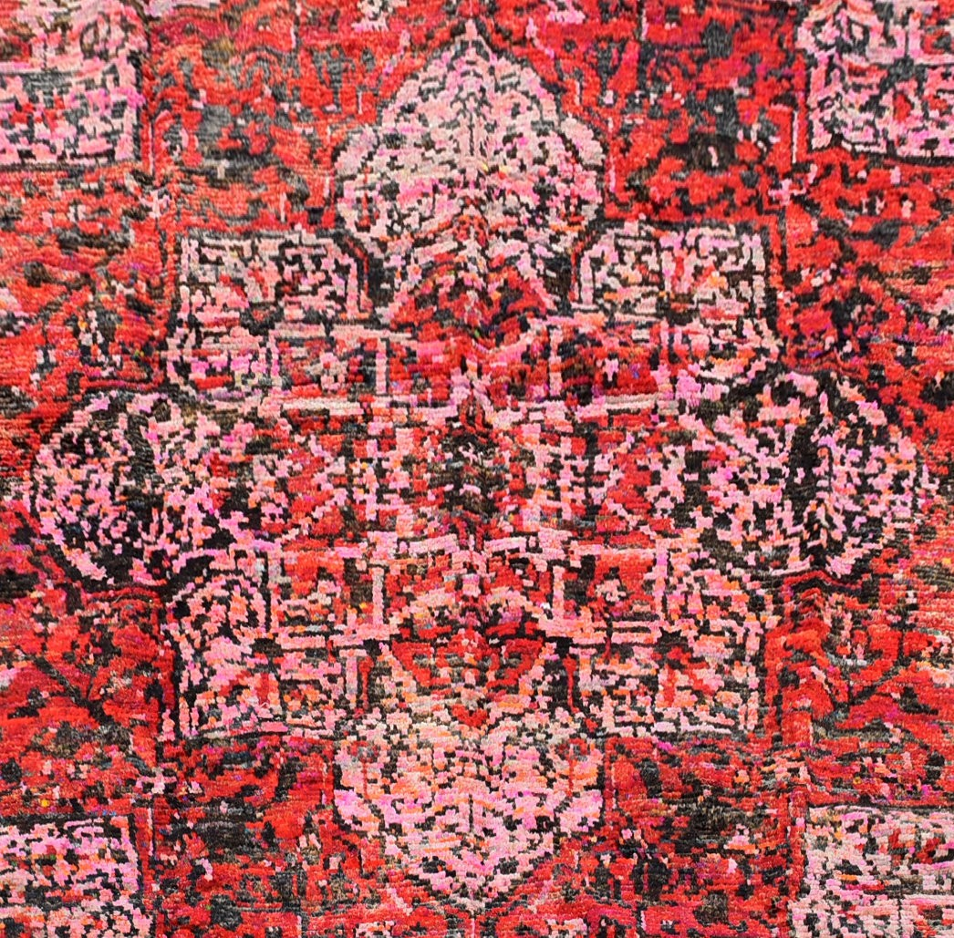 A contemporary design Persian style woollen carpet with large central medallion on a rouge field - Image 2 of 4