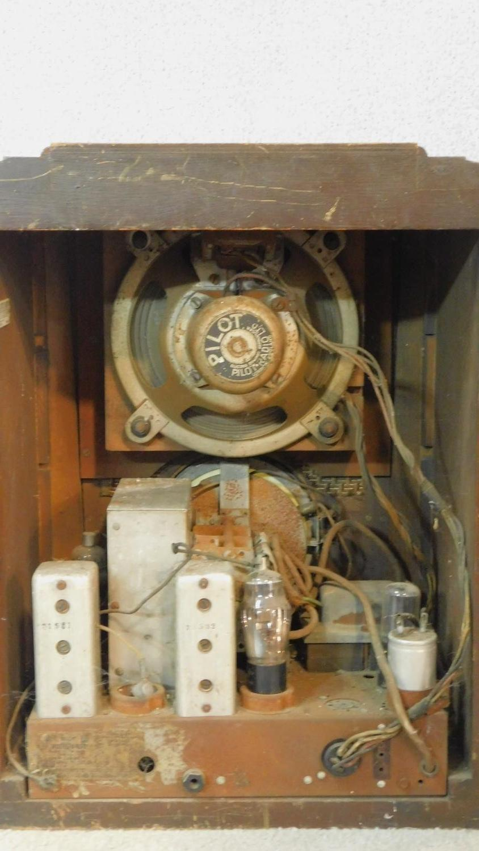 A vintage Pilot Radio Ltd valve radio in burr walnut Art Deco case. H.50 W.39 D.28cm - Image 6 of 10