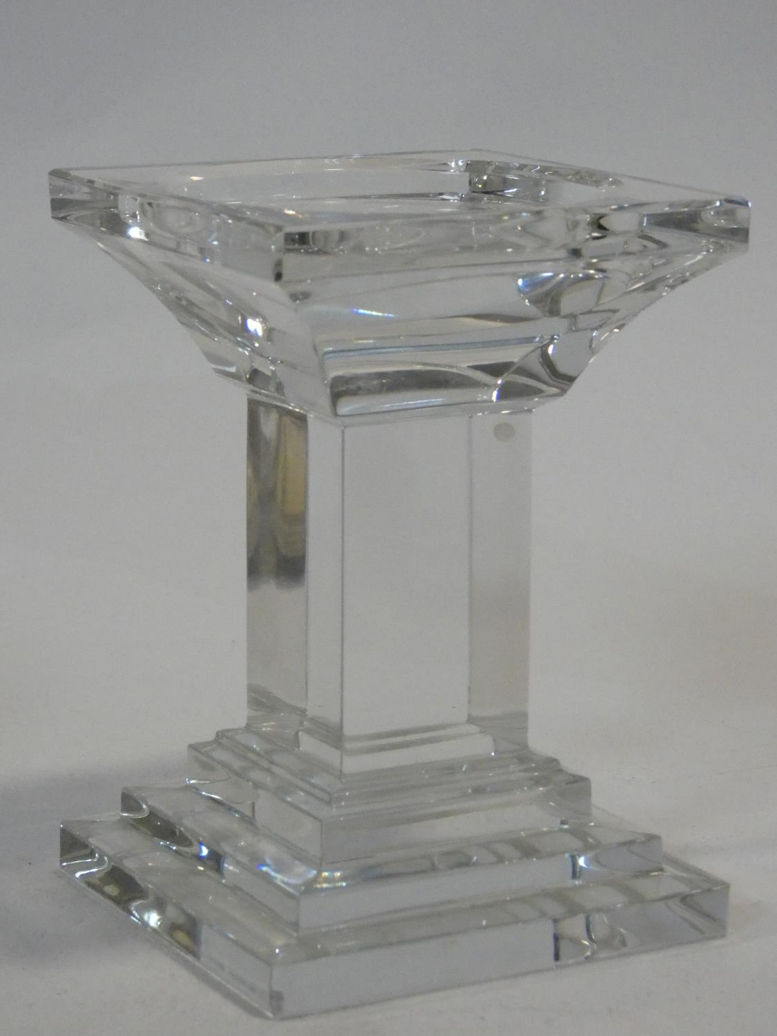 A set of four chrome spherical candle holders and a glass pedestal candle holder. H.14xW.10xL.10cm - Image 3 of 4