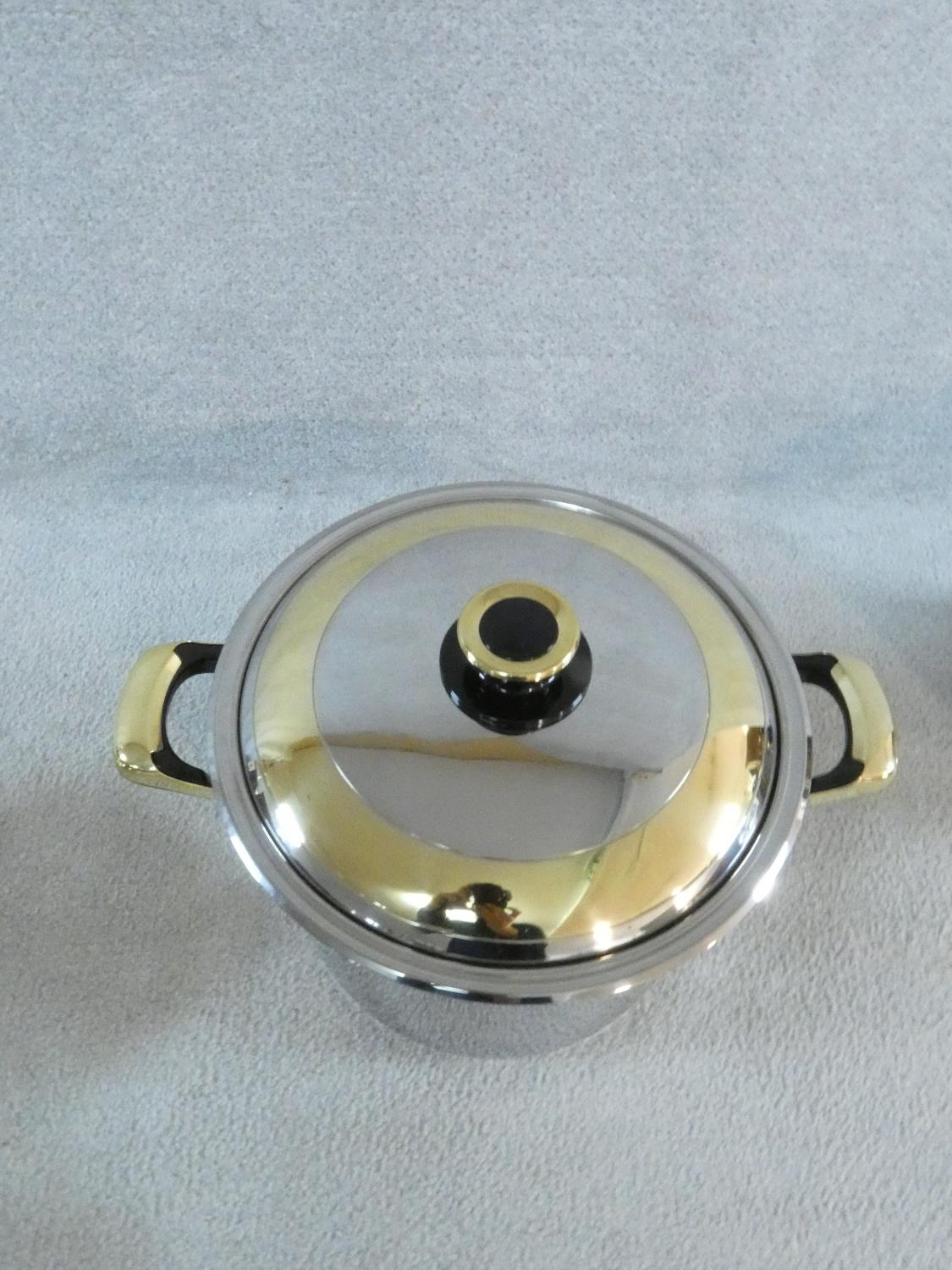 A set of boxed stainless steel as new Cameo Royale pans and cookware with 24k gold plated - Image 4 of 22