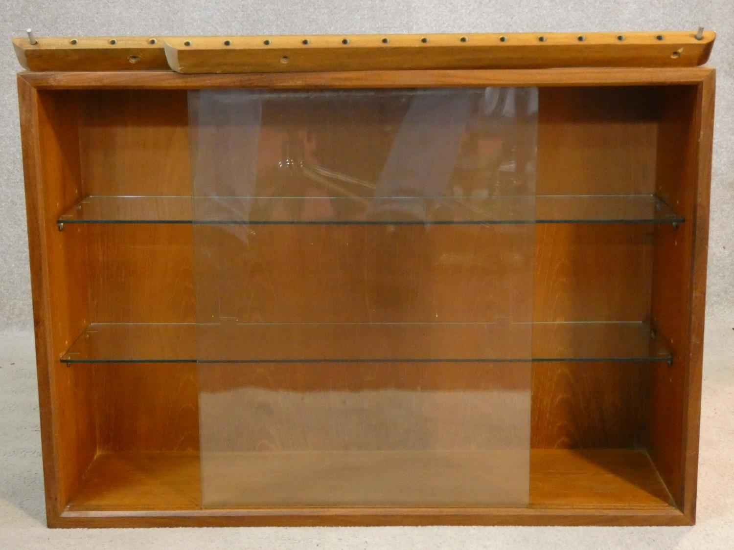 A 1960's vintage teak wall hanging cabinet with fittings. H.56 W.80 D.24cm - Image 3 of 10