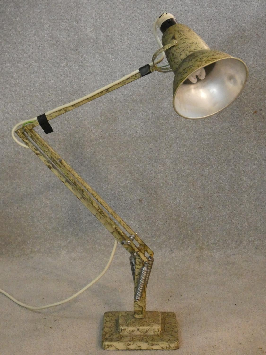 A vintage Herbert Terry & Sons angle poise desk lamp with impressed makers mark to base. H.90cm