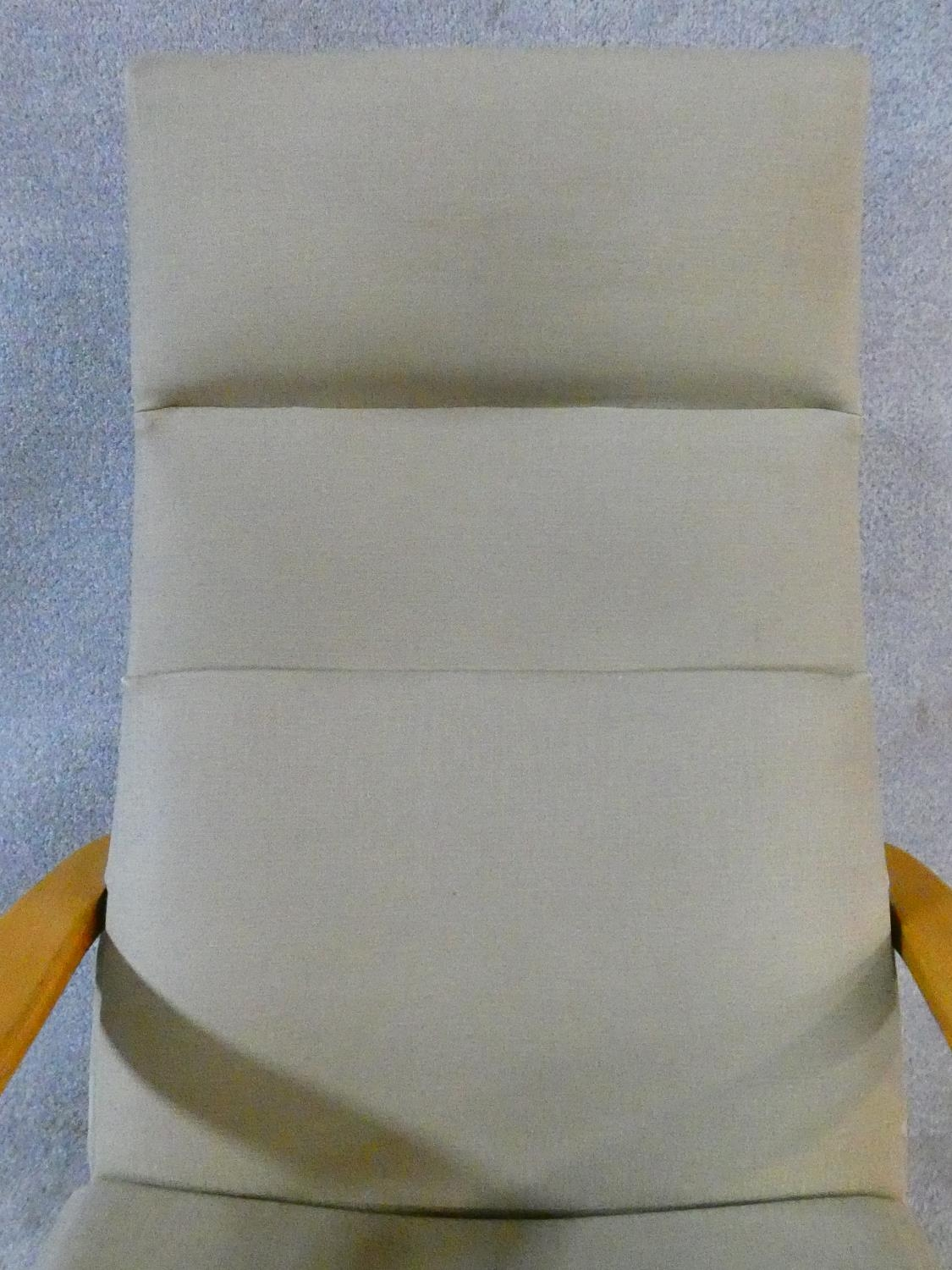 A vintage Parker Knoll, model PK 1067-70 from 1968, beech framed lounge chair. H.102cm - Image 7 of 14