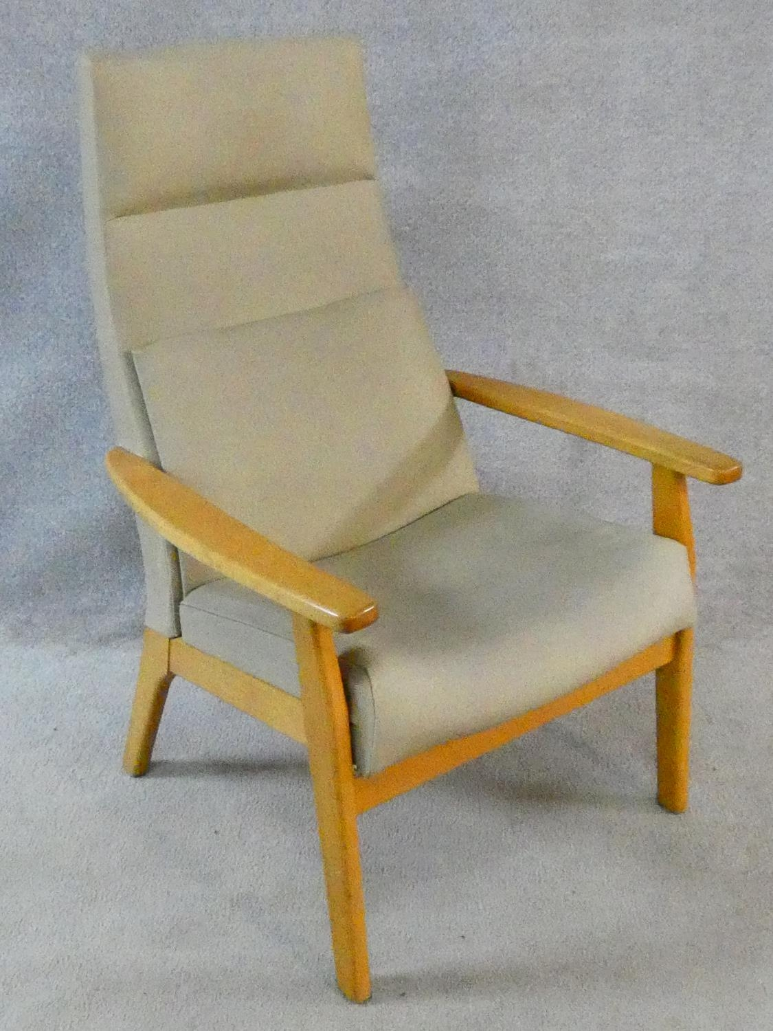 A vintage Parker Knoll, model PK 1067-70 from 1968, beech framed lounge chair. H.102cm - Image 4 of 14