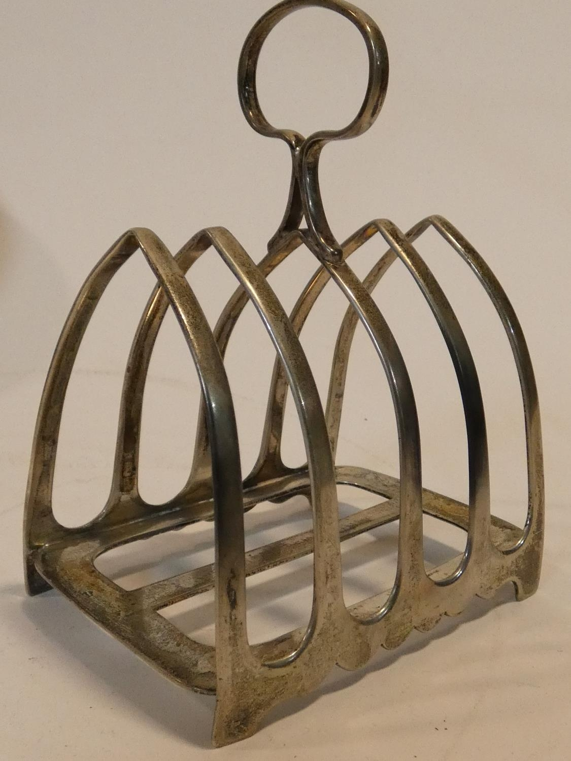 A collection of antique silver. Including a pair of cased silver salts, a silver toast rack and a - Image 10 of 16