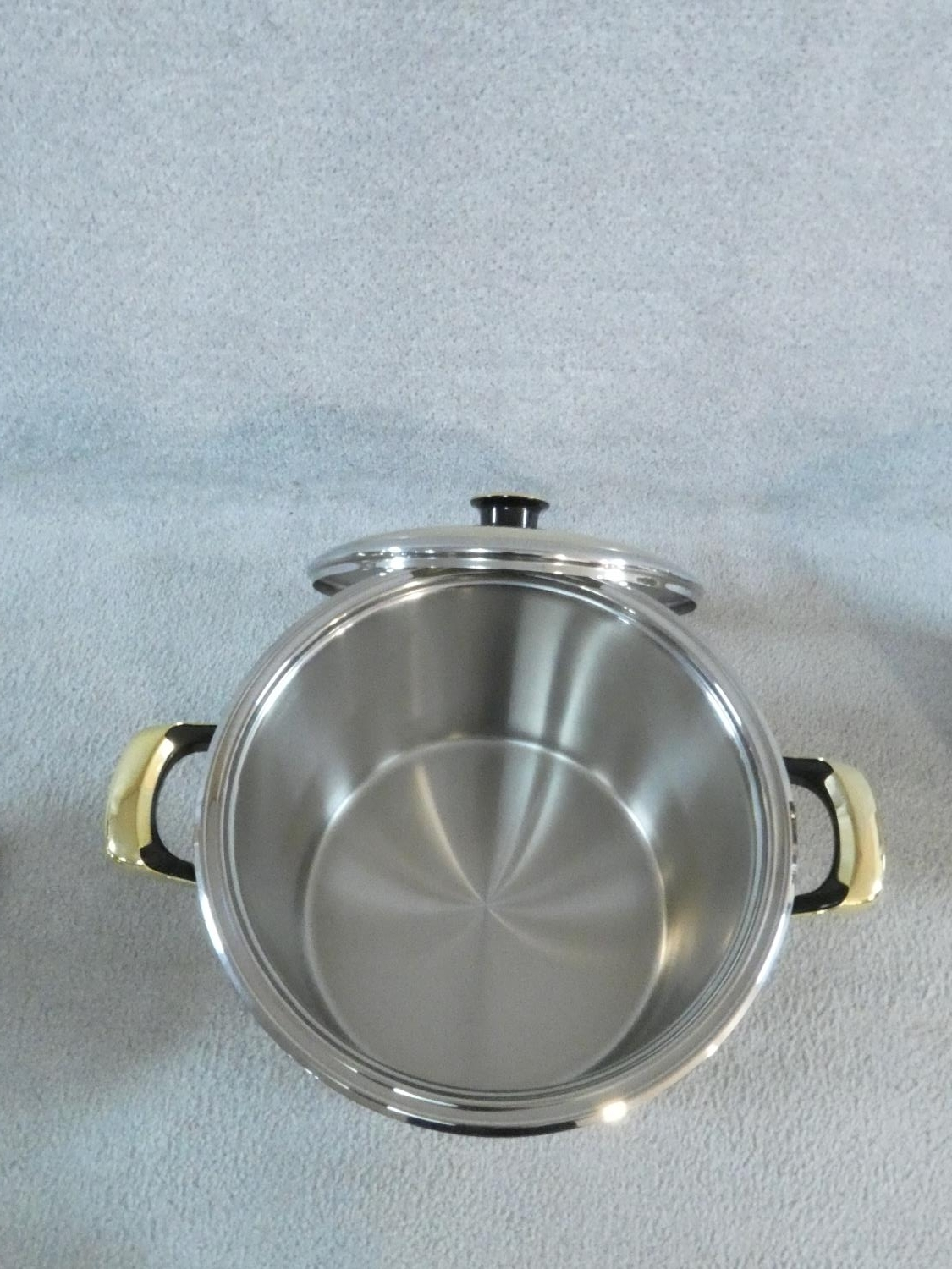 A set of boxed stainless steel as new Cameo Royale pans and cookware with 24k gold plated - Image 5 of 22