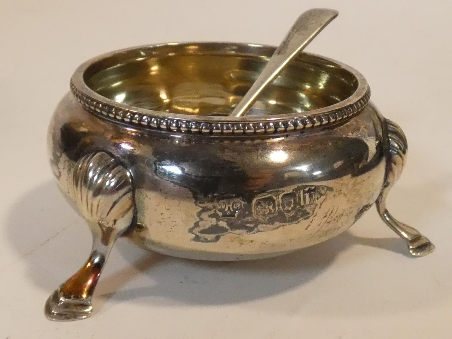 A collection of antique silver. Including a pair of cased silver salts, a silver toast rack and a - Image 2 of 16
