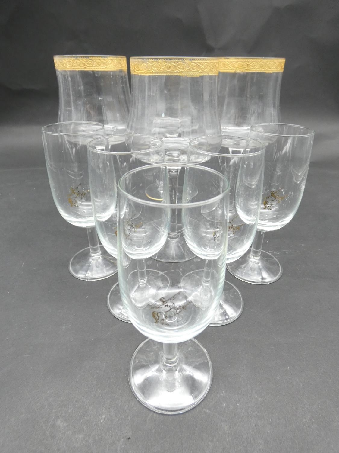 A collection of glasses. Including a set of five sherry glasses with gilded Orion symbols, along - Image 4 of 14