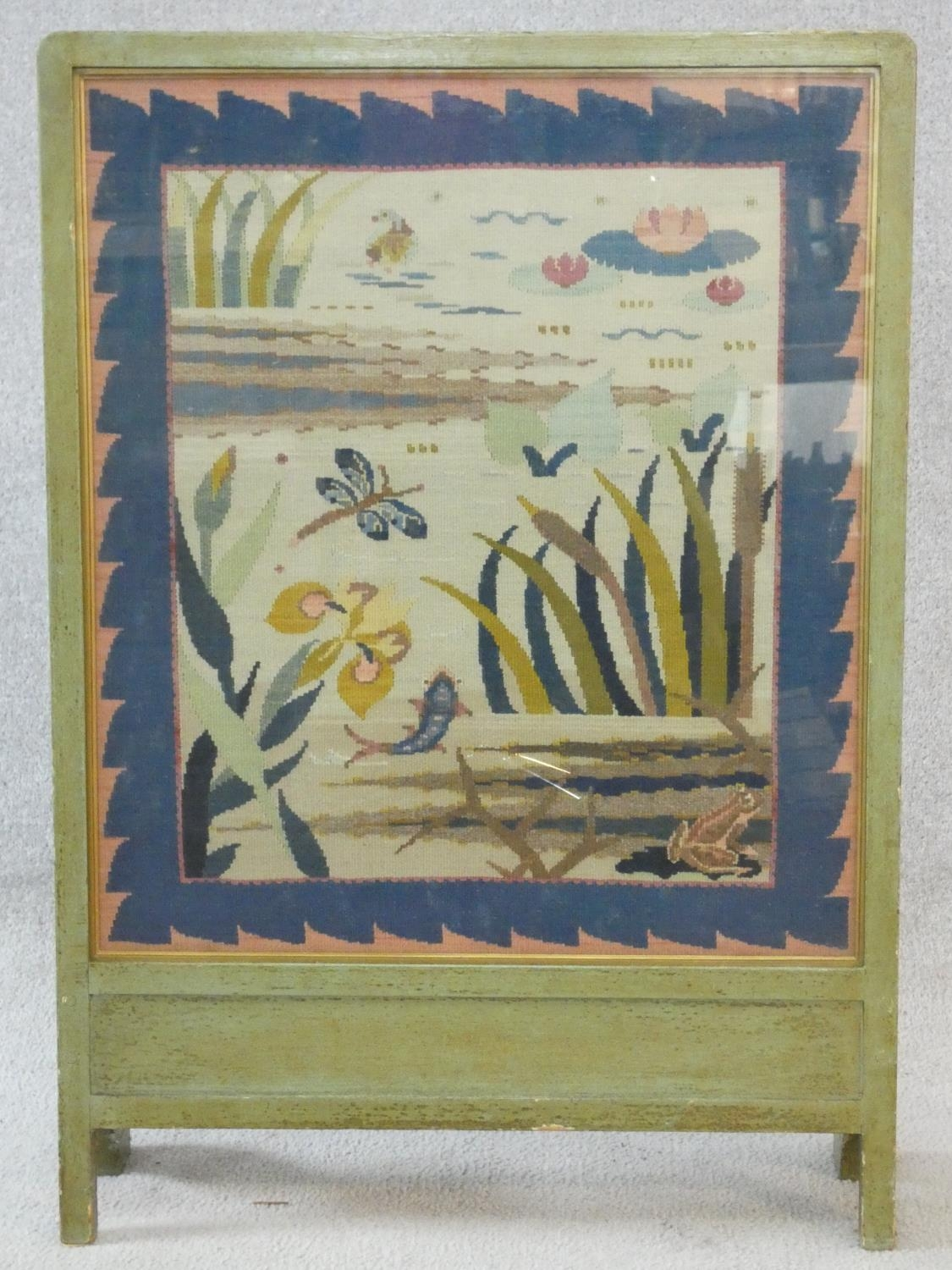 A vintage painted frame fire screen with glazed embroidered tapestry panel depicting the wildlife - Image 2 of 8
