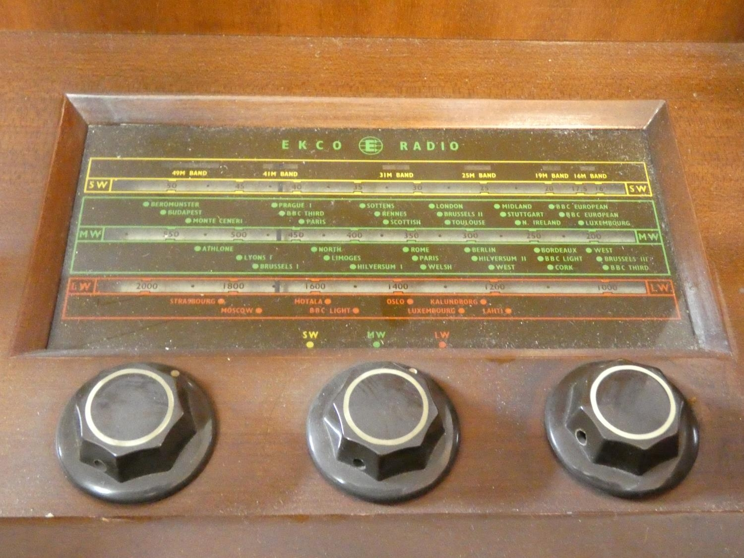 A vintage teak floor standing Ekco radiogram and record player. H.72 W.83 D.39cm - Image 6 of 17