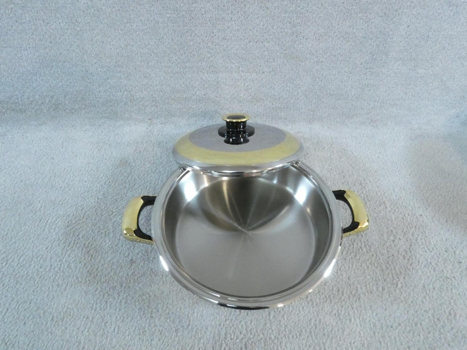A set of boxed stainless steel as new Cameo Royale pans and cookware with 24k gold plated - Image 15 of 22