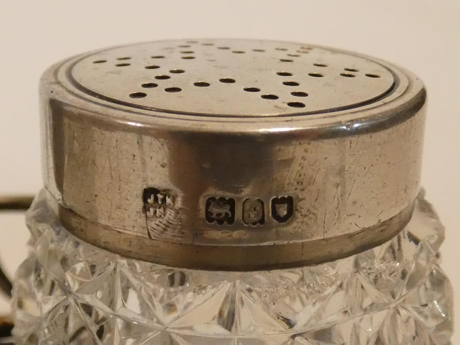 A collection of antique silver. Including a pair of cased silver salts, a silver toast rack and a - Image 6 of 16