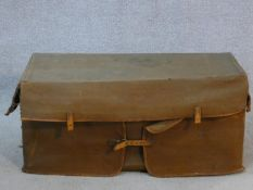 An early 20th century Drew & Sons, Picadilly, En-Route picnic set in twin handled fitted carrying