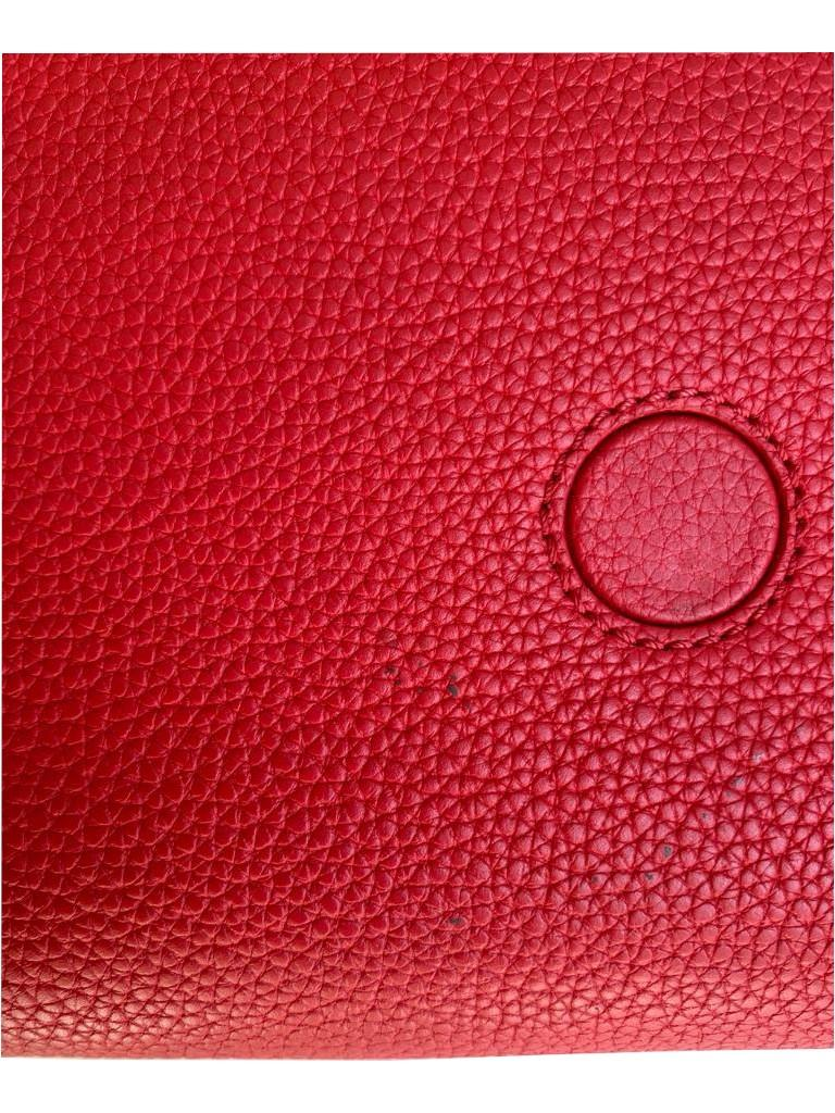 A Louis Vuitton Double V red calf leather and gold hardware. Includes Dustbag, W.28cm x H.20cm x D. - Image 4 of 11