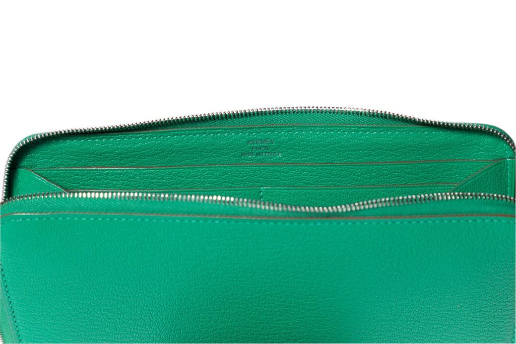 A Hermes Azap Wallet Menthe in Chevre leather and palladium hardware. Includes Box, W.20cm x H. - Image 2 of 5