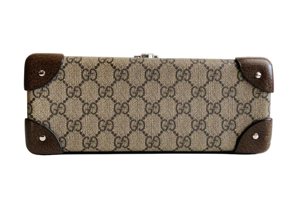 A Gucci Globe Trotter beauty case GG canvas with leather trim and bamboo handle. Includes Strap & - Image 7 of 10