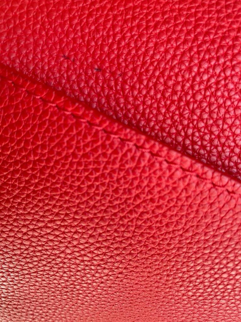 A Louis Vuitton Double V red calf leather and gold hardware. Includes Dustbag, W.28cm x H.20cm x D. - Image 5 of 11