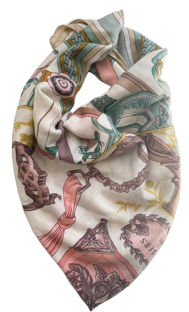A Hermes Shawl Duo d'Etriers Off White/Aqua/Pink, 70% Cashmere, 30% Silk. Stamp Date 2017, 140cm x - Image 2 of 3