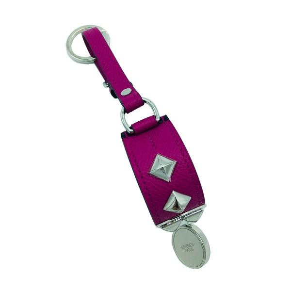 A Hermes Key Ring Collier de Chien Rose Pourpre in Epsom leather with palladium hardware. Includes - Image 3 of 3