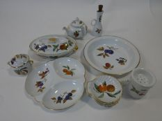 """Collection of Royal Worcester """"Evesham"""" pattern tablewares, with gilded edges. To include tureens,"""