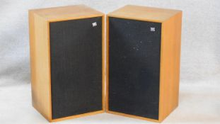 A pair of vintage Wharfedale Dovedale 3 speakers. H.61 L.36 D.30cm