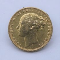 1875 22 carat gold Victoria young head full sovereign, Sydney mint. Weight 7.9g. From a private