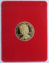 A 9 carat gold proof crown, Isle of Mann, commemorating Queen Mother?s 80th birthday in presentation