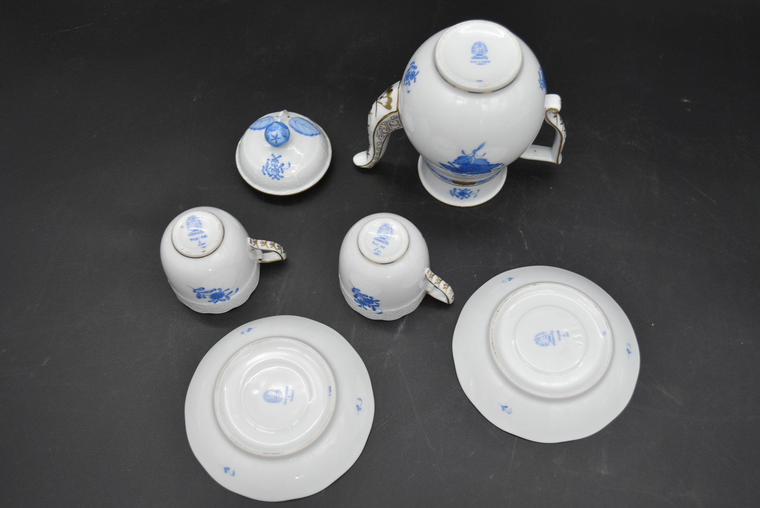 A hand gilded and painted porcelain coffee set by Herend to include coffee pot and a pair of - Image 10 of 14