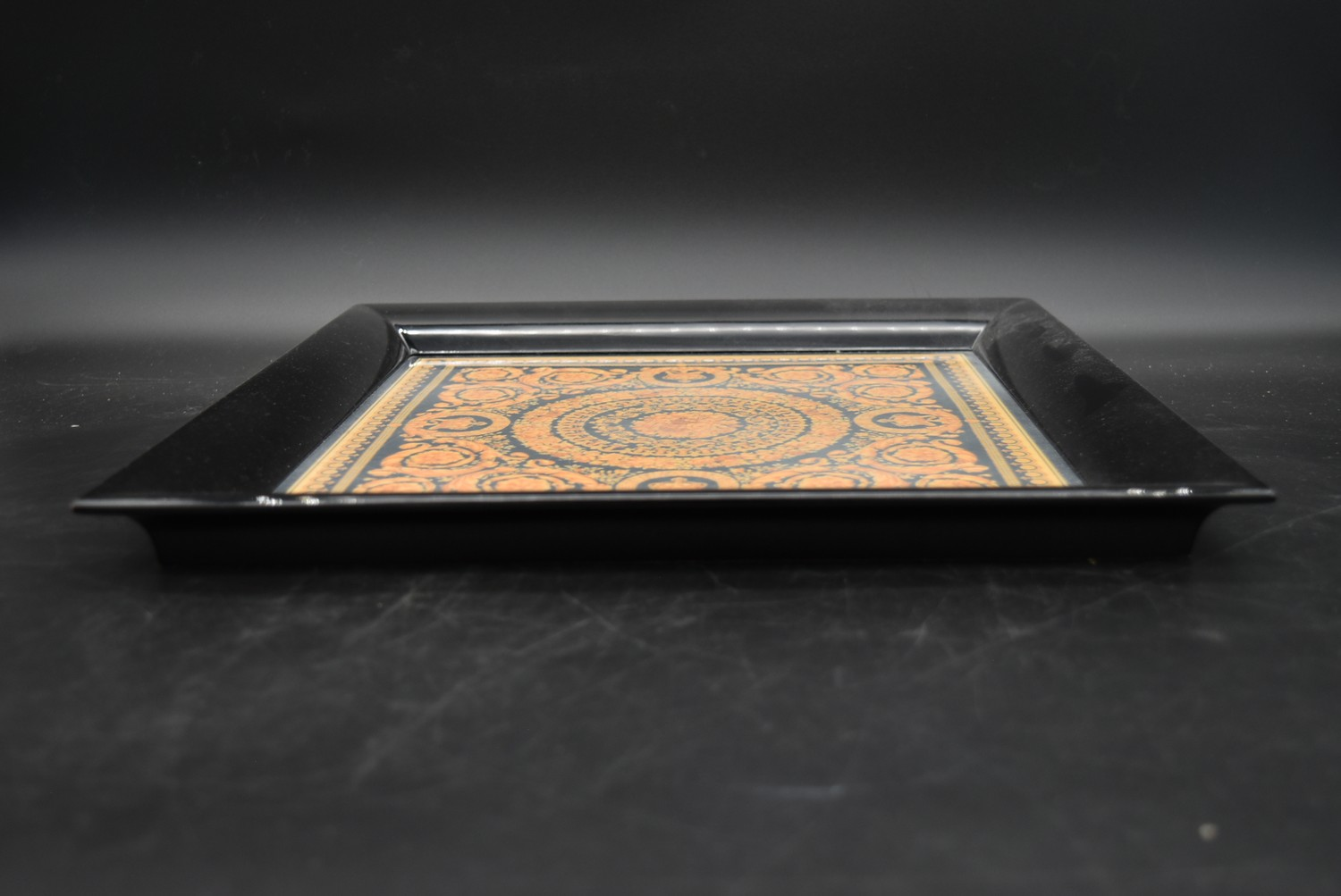 A lacquered Gianni Versace tray along with a similar jewellery chest and a lidded trinket box. H. - Image 5 of 18