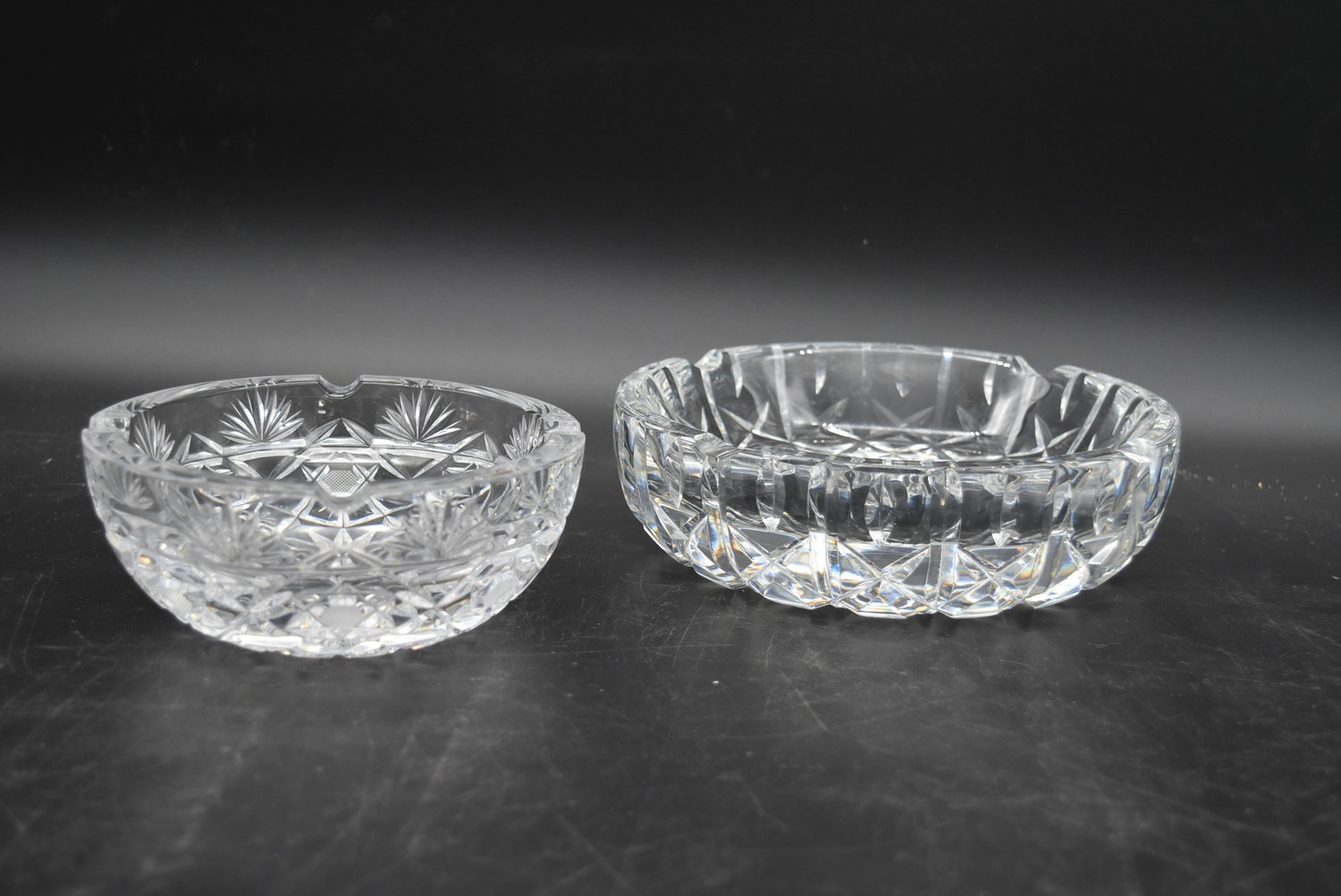A miscellaneous collection of eight large cut crystal dishes and ashtrays. H.13cm W.21cm - Image 5 of 11