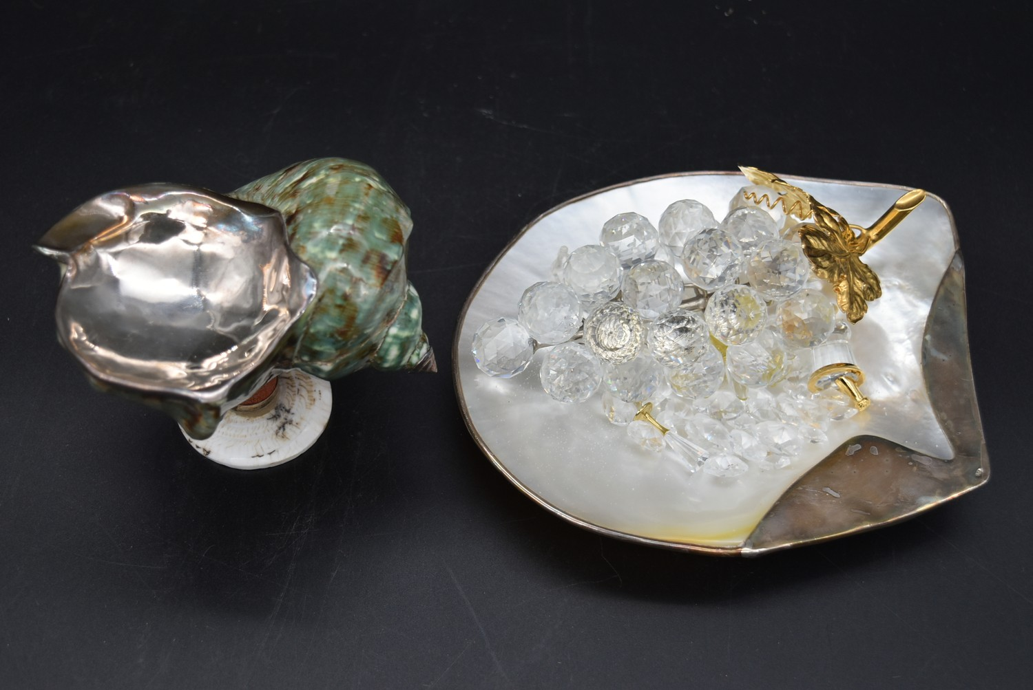 A collection of crystal and sea shells with a collection of Swarovski crystal pieces, including a - Image 2 of 8