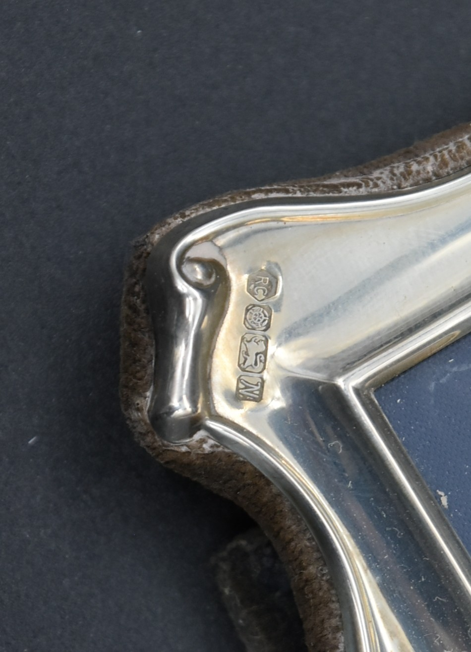 A miscellaneous collection of silver framed easel mirrors, various English hallmarks. H.20cm W. - Image 6 of 13