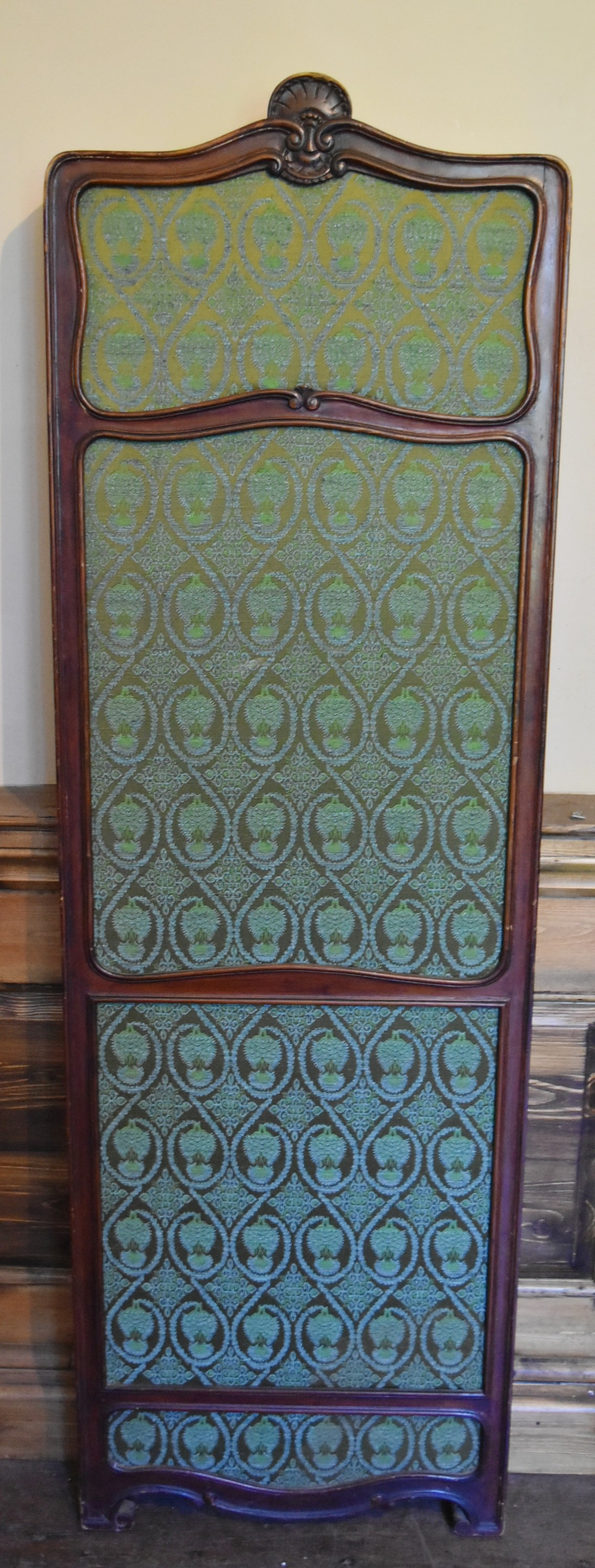 A French style carved screen with twin damask panels. H.146 W.93cm - Image 2 of 5