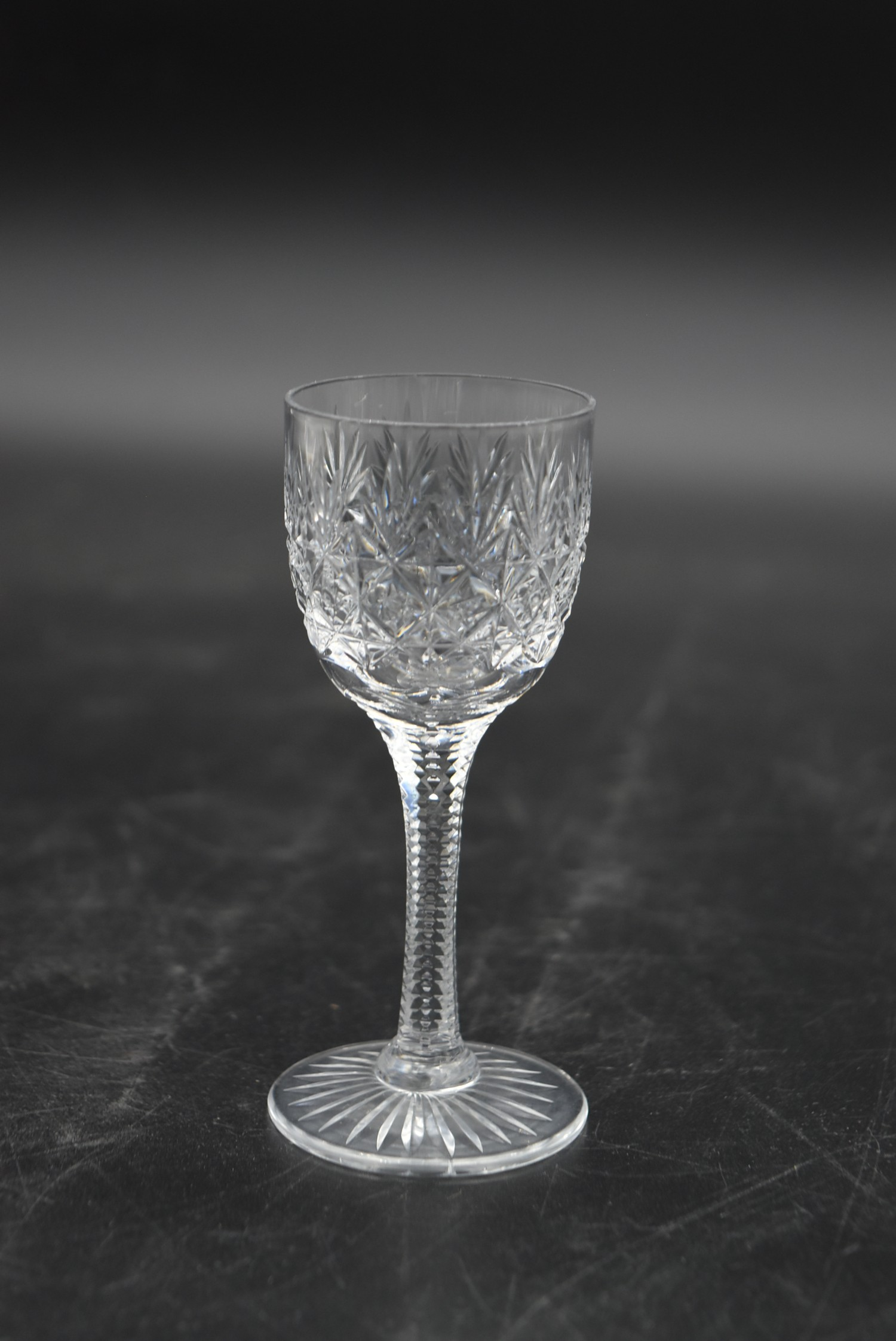 An extensive suite of cut crystal to include port and sherry glasses, champagne cups, vases, water - Image 4 of 15