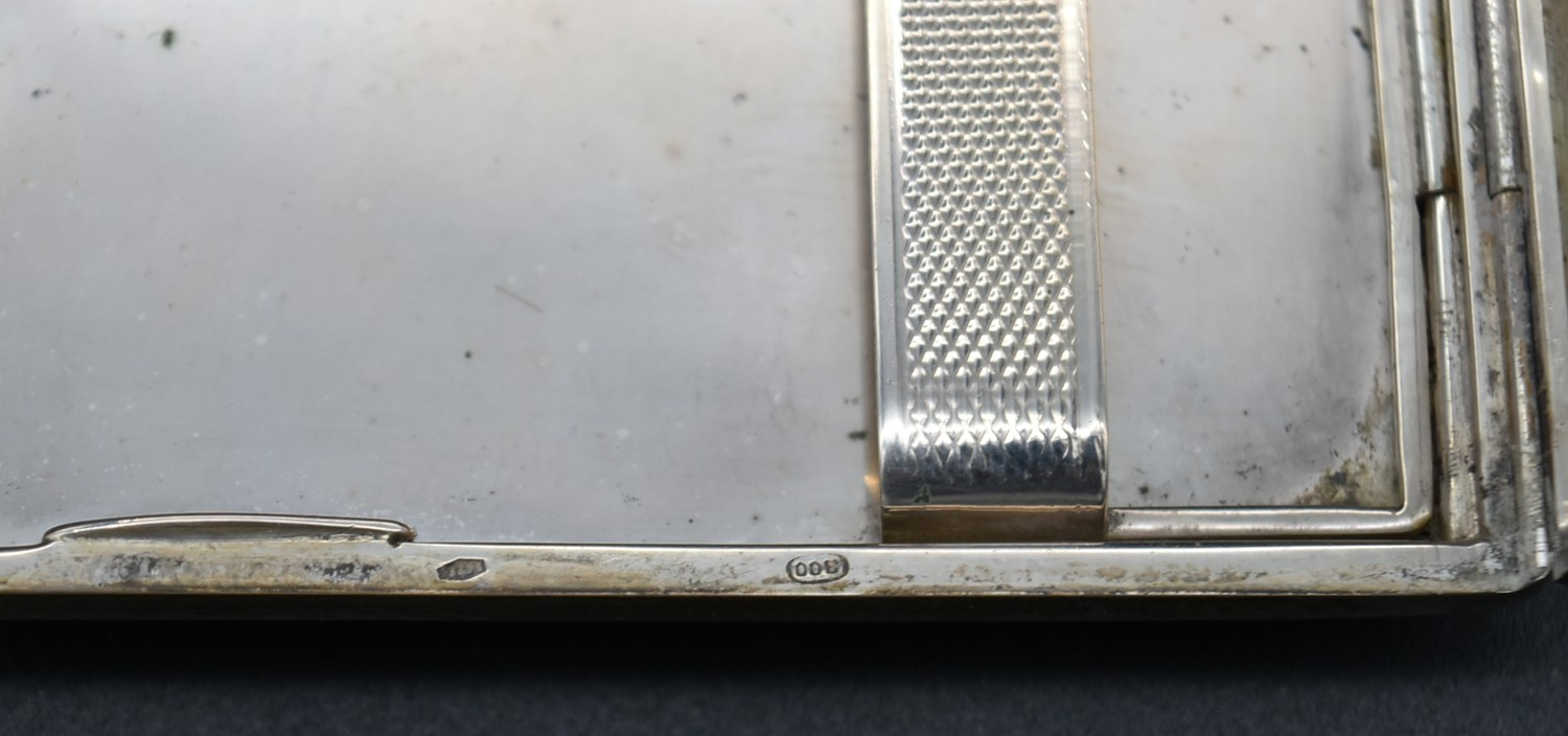 A Continental silver cigarette case with maker's stamp, marked 800, L.13.5 W.8.5cm, weight 166g - Image 5 of 5