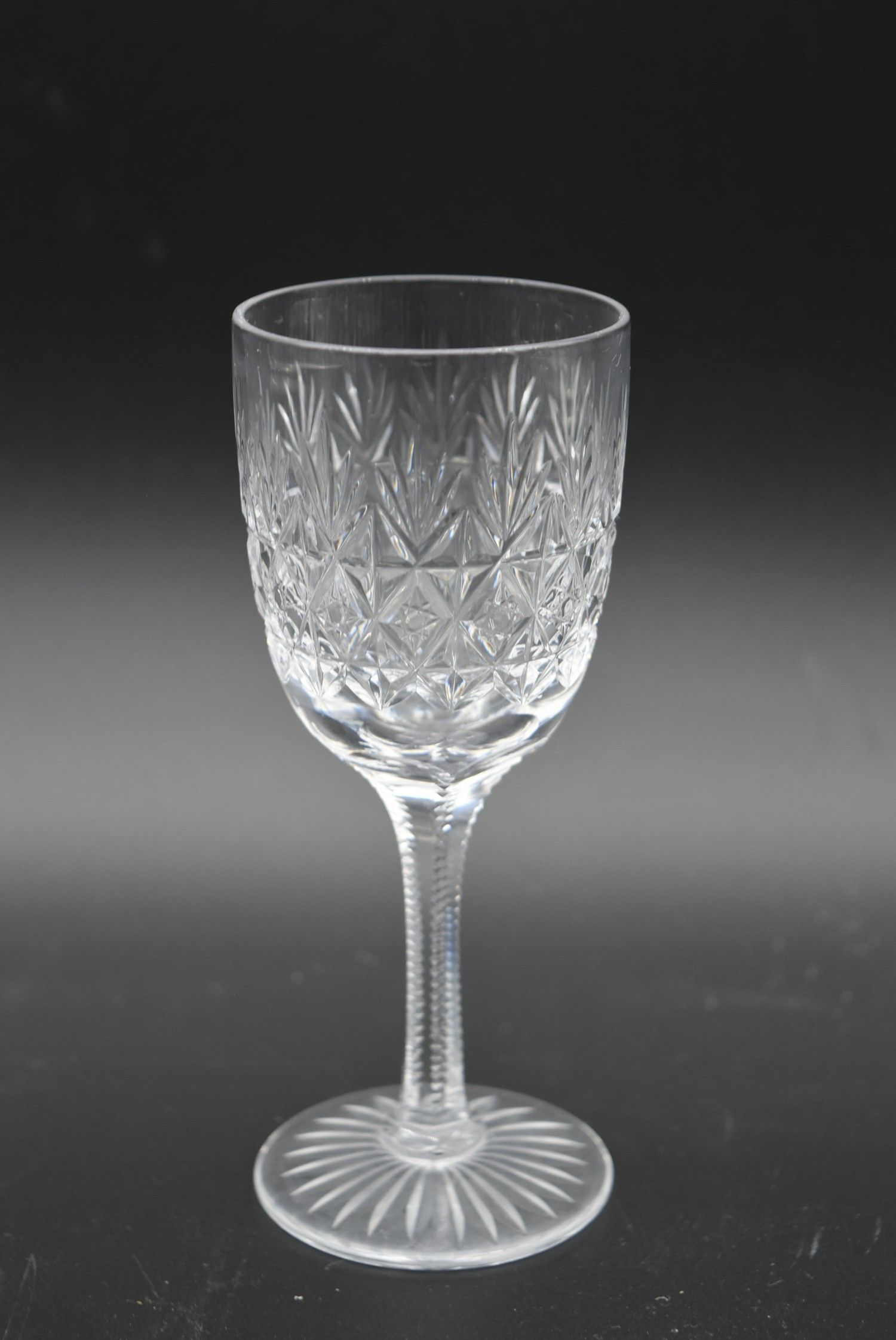 An extensive suite of cut crystal to include port and sherry glasses, champagne cups, vases, water - Image 7 of 15
