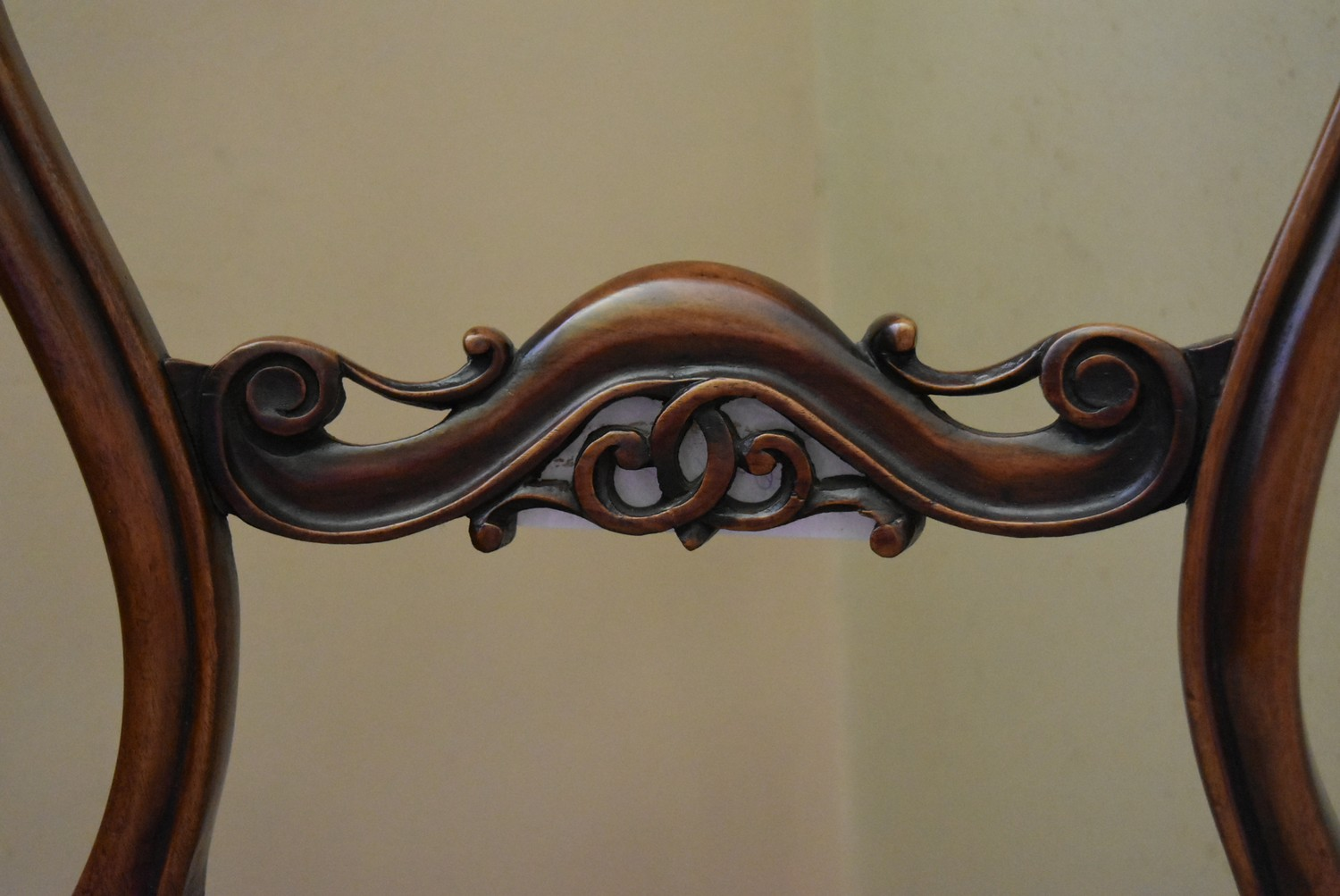 A Victorian carved mahogany balloon back side chair with foliate upholstered stuffover seat on - Image 4 of 4